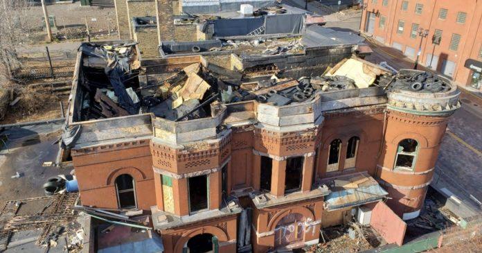 Duluth again pushes for demolition of former Kozy Bar after fire damage
